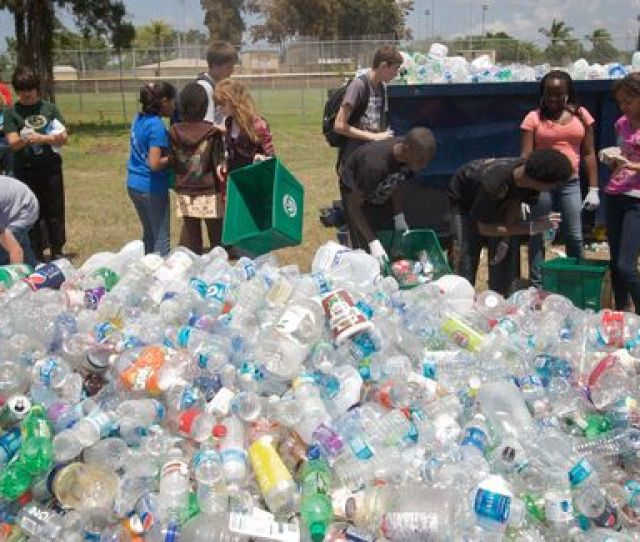 A Prelude To Earth Day Started At Sugg Middle School On Wednesday As The Manatee County School Districts Energy And Recycling Department Hosted The 1st