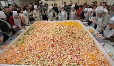 World`s largest Greek salad photo, picture, video, image, Guinness Book of World Records, biggest Greek salad dish