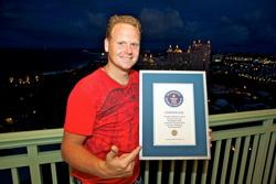 Nik Wallenda photo, Nik Wallenda stunts video, Daredevil stunts