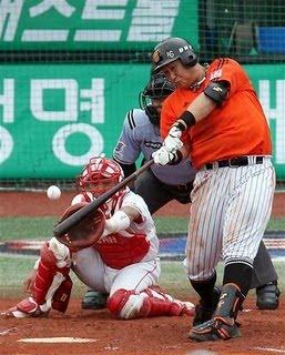 South Korean Baseball Playe photo, Home Run Guinness World Record, South Korean Baseball Player picture