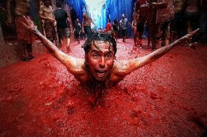 Tomatina Tomato Fight 2010 photo, Tomatina Tomato Fight Festival 2010 picture, World's Biggest Tomato Fight in Spain, world's largest food fight video, 2010 Tomatina Tomato Fight event
