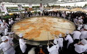 World's Largest Omelet 2011, World's Largest Omelet picture, Largest Omelet in the world, Turkish Largest Omelet photo, Largest Omelet Guinness World Record 2011,World Egg Day 2011, World's Largest 6 ton omelet