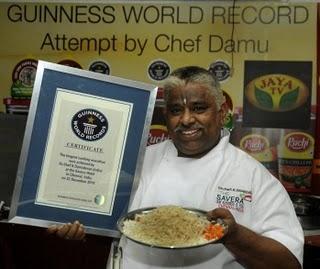 World's Longest Cooking Marathon, Indian Chef Damu Guinness World Record 2011, Indian Chef Damu photo, Indian Chef Damu Cooking video, Longest Cooking Marathon 2011, Indian Chef Damu World Record 2010, Chef K. Damodaran Guinness World Record