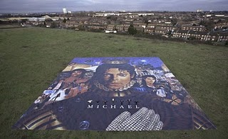world's largest poster 2011, World Largest Michael Jackson's Poster picture, Michael Jackson Guinness World Records, Michael Jackson World Records 2011,  Michael Jackson photo, Michael Jackson's Michael album video, largest poster in the world 2011, world's largest Michael poster