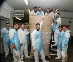 World's biggest kebab photo, World's biggest kebab picture, World's biggest kebab 2011, biggest kebab in the world, World's biggest kebab Guinness world record, World's largest kebab
