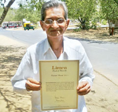 Arun Buch photo, Arun Buch picture, Arun Buch Limca Book of Record, Longest service as personal assistant to minister