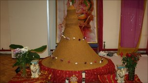 Churma Ladoo, World's heaviest Indian sweet, World's tallest Indian sweet, Indian sweet Churma Ladoo world record